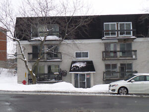Spacious two bedrooms available (receive november free) West Island Greater Montréal image 1