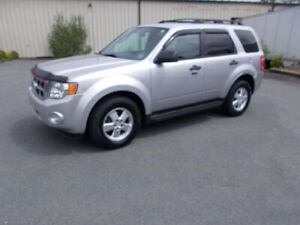 2010 FORD ESCAPE XLT SUV,ONLY 87000 KILOMETERS WARRANTY INCLUDED