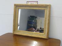Miroir en bois et plâtre antique antiquité