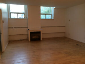 1 bed+ den bed apartment gas fireplace  Garson Aug 1st