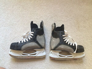 Youth Eastern Synergy 100 Hockey Skates - size 3 Kitchener / Waterloo Kitchener Area image 2