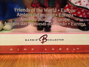 Barbie's (Lil sis) Kelly Friends of the World circa 2004 - MINT London Ontario image 4