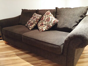 3-seat Couch in excellent condition!-HAS TO GO! Peterborough Peterborough Area image 4