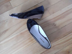 $7  Old Navy Black patent women's shoes size 7