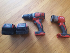 Milwaukee 18V Hammer Drill +2 Batteries & Flashlight