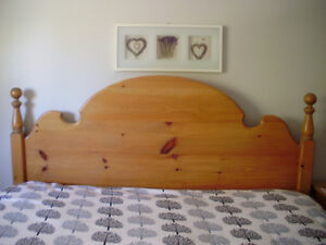 King Size Solid Pine Cannonball Headboard for Sale