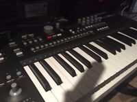 Elektron Analog Keys 4 Voice Polyphonic synthesiser and sequencer - Morden