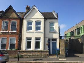 2 bedroom flat in Inverton Road, London, SE15(Ref: 6841)