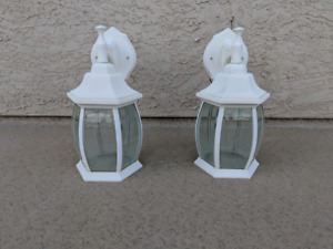 2 outdoor lights good condition, $45.00 for the pair.