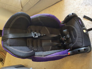 5 STAGE FEEDING SEAT and car seat
