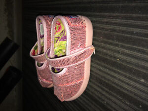 Brand new condition toddler girl shoes, size 5T/6T