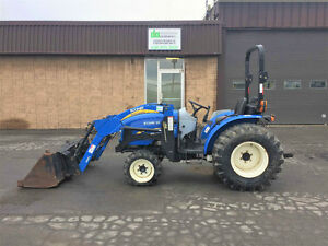2013 New Holland Boomer 35 *Chargeur + Sortie huile*