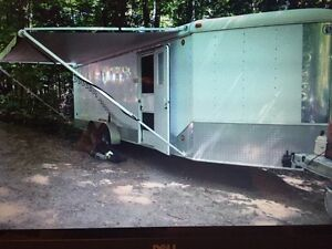 28ft enclosed trailer