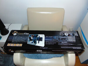 """Support universel TygerClaw pour TV 32""""-70""""  Modèle LCD4072BLK"""
