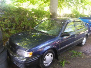 Toyota Tercel 1999 automatique..starter.alternateur neuf 45
