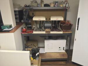 Jewelry buffing and polishing machine