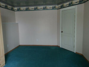 Large Bedroom Avail for rent.