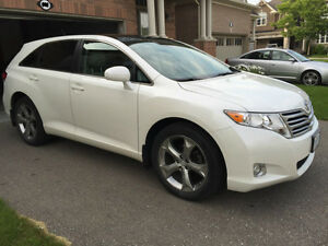2010 toyota venza v6 awd premium suv, crossover- well maintained