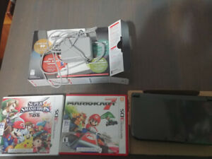 Nintendo 3DS with 2 games & charger