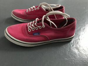Chaussures VANS gr 5.