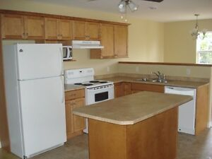 2 bedroom apartment available Nov 1st  2 mths 1/2 price