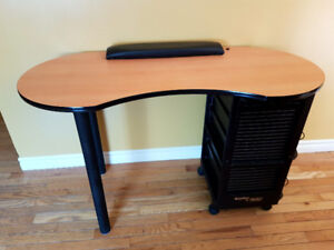 Manicure Table With Trolley / Keys