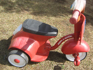 tricycle radio flyer
