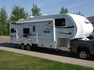 2011 Maxum Wild 26RKS Fifth Wheel