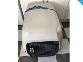 Dog cages and carriers