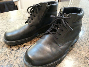Like New Men's Genico Winter insulated dress shoes Size 9 E Made