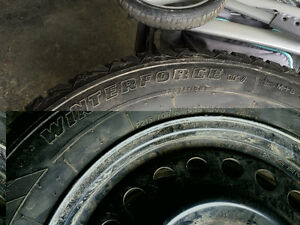 Firestone winterforce 215/70R16