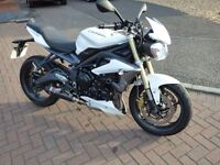 Low mileage Street Triple 675 - ABS. Lots of extras - 2 exhausts, belly pan, crash bobbins, huggers.