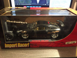 Toyota Celica by Jada Import Racer 1/18 (window is crack)