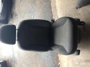 04 Ford Escape passenger seat