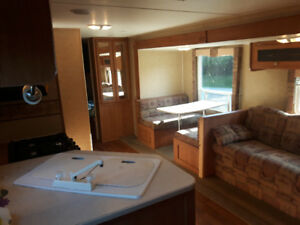 2007 Gulf Stream 30ft Travel Trailer with Slide Out  $13,500 OBO