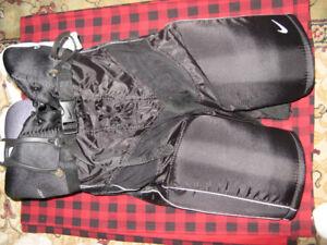 Nike Quest hockey pants - Senior S (brand new)