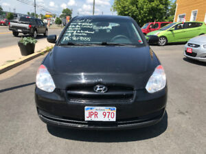 2010 Hyundai Accent Hatchback. LOW KMS!! AUTO/AIR+AUTO START!!