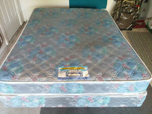 Queen Mattress and Box with Metal frame Stratford Kitchener Area image 2