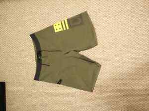 Reebok Crossfit Short size 32 and size small Kingston Kingston Area image 1