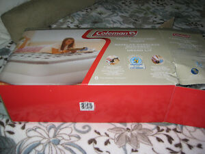 Coleman Air Bed with built in AC Pump, Queen Windsor Region Ontario image 1