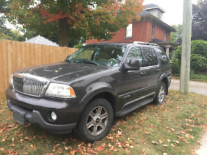 2005 Lincoln Aviator SUV, Crossover