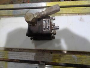 wood splitter pump . was on a factory splitter.