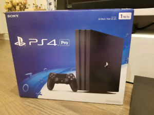 Fs: New PS4 Pro 1 TB with extra controller and 2 games