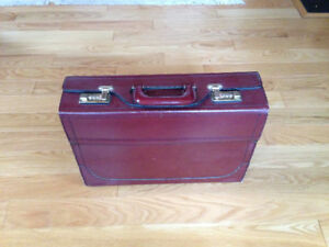 Burgundy Leather Brief Case - Document Carrier with lock