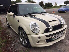 Mini Cooper s john Cooper best offer lovely car
