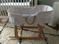 Jolly jumper Moses basket bassinet and stand
