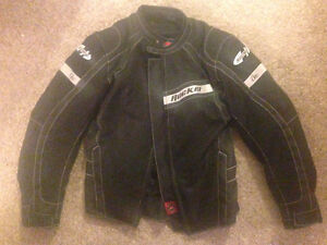Women's Sz Small Fully Armored Jacket
