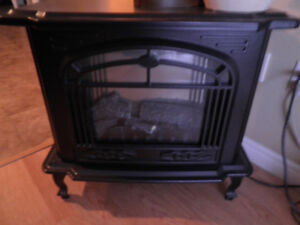 Paramount Electric Fireplace - Realistic Fire Lighting & Heater