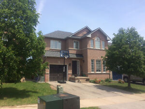 $2150 / 3br - Beautiful Detached House For Rent, Finished Bsmt
