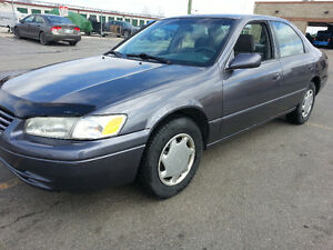 1998 TOYOTA CAMRY LE 218 kms CLEAN CAR PROOF SAFTIED MINTY